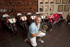 The ultimate trophy room at Mick Doohan's home. Mick Doohan must have had a very special clause in his contracts with Honda. They gave him his title winning motorcycles (Honda from Motorcycle Racers, Motorcycle News, Racing Motorcycles, Vintage Motorcycles, Grand Prix, Honda Motorbikes, Gp Moto, Honda Africa Twin, Trophy Rooms