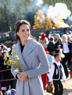 Kate Middleton Photos Photos - Catherine, Duchess of Cambridge visits Carcross during the Royal Tour of Canada on September 28, 2016 in Carcross, Canada.