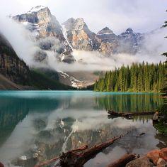 Moraine Lake in Banff National Park in Alberta, Canada