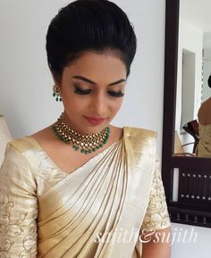 New Indian Bridal Dress White Wedding Gowns Ideas White Saree Wedding, Christian Wedding Sarees, Kerala Wedding Saree, Bridal Sarees South Indian, Christian Bride, Wedding Saree Blouse, Kerala Bride, Hindu Bride, Indian Bridal Wear