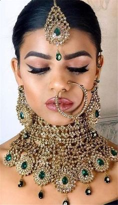 Bridal Jewelry 37 Indian Wedding Jewelry For Every Bride To Stand Out Indian Bridal Fashion, Indian Wedding Jewelry, Indian Fashion Jewelry, Indian Wedding Hair, Bride Indian, Bridal Jewelry Sets, Bridal Necklace, Bridal Jewellery, Indian Jewellery Design