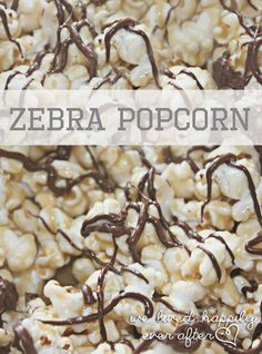 Zebra Popcorn Recipe- this stuff is so yummy. It's caramel popcorn with white and dark chocolate. This shit is like crack. Popcorn Snacks, Flavored Popcorn, Gourmet Popcorn, Free Popcorn, Popcorn Cones, Popcorn Shop, Pop Popcorn, Yummy Snacks, Snack Recipes