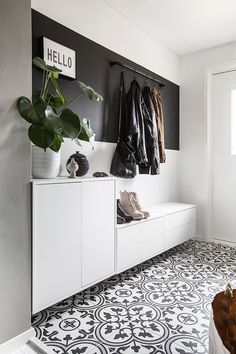 Home Room Design, Home Interior Design, House Design, Hall Interior, Home Entrance Decor, House Entrance, Flur Design, Design Art, Hallway Designs