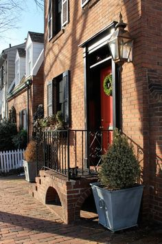 Maggie's Cutest House in Georgetown — House Tour