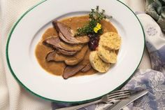 Rehkitzbraten Wine Recipes, Pork, Beef, Food And Wine, Food Food, Recipes, Kale Stir Fry, Meat, Pigs