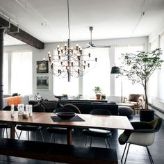 5 Lofts We're Totally Lusting After Traditional Lamps, New York Loft, Room Lamp, Vintage Lamps, Living Room Lighting, Home Interior Design, Decoration, Sweet Home, House Design