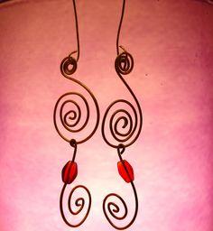Orecchini a spirale handmade in ottone e perlina rossa  #earrings #handmade #silhouette Community, Silhouette, Drop Earrings, Crafty, Jewelry, Jewlery, Bijoux, Jewerly, Silhouettes