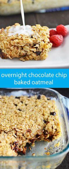 Chocolate Chip Baked Oatmeal {Easy Overnight Oatmeal Recipe} / oatmeal with chocolate chips / make ahead breakfast recipe / overnight oats via @tastesoflizzyt