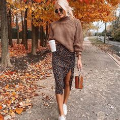 """Love this style "" 42 Stylish and Cool Outfits for Teenagers by Valentina Steinhart Fashion 2020, Look Fashion, Fashion Fall, Fashion Women, Fall Fashion Skirts, Fall Winter Outfits, Autumn Winter Fashion, Winter Style, Mode Outfits"