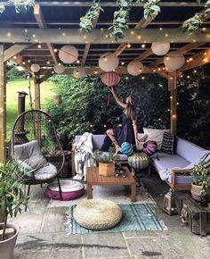 28 Creative Ways to Decorate a More Relaxing Patio, # # these creative patio decoration ideas and get inspired to create a relaxing outdoor spot that will help you escape from the daily routine. Backyard Patio Designs, Backyard Landscaping, Small Backyard Patio, String Lights Outdoor, Outdoor Lighting, Back Patio, Patio Gazebo, Patio Set Up, Dream Decor