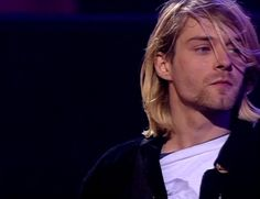 Love this photo of Kurt from Live and Loud!!!