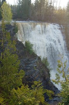 Kakabeka Falls, near Thunder Bay, Ontario. I was there long ago wonderful memories. Visit Canada, O Canada, Canada Travel, Largest Countries, Countries Of The World, The Places Youll Go, Places To Visit, Discover Canada, Ontario Travel