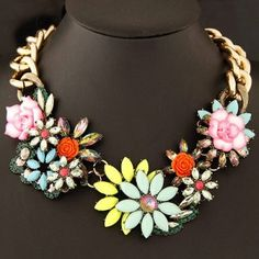 High Fashion Vivid Resin Flowers Thick Chain Costume Necklace