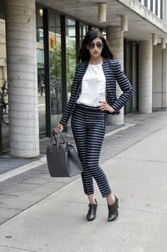 Business Woman on the Run {A Collaboration with Toronto Fashion Academy} | Can't Help But Stare