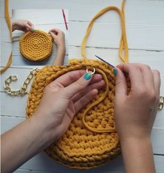 Marvelous Crochet A Shell Stitch Purse Bag Ideas. Wonderful Crochet A Shell Stitch Purse Bag Ideas. Crochet Backpack Pattern, Bag Crochet, Crochet Shell Stitch, Crochet Diy, Crochet Handbags, Crochet Round, Crochet Purses, Handbag Tutorial, Soft Leather Handbags