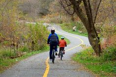 Easy - In the centre of Oshawa I discovered this short but excellent park ride for cyclists. Though not too long at 6.5 km (one way) the Oshawa Creek (Joseph Kolodzie) Bike Trail has such varied scenery on the the route that it deserves to be posted on the map. What makes this trek so interesting are the endless bridges and tunnels as it works its way along the creek down to Lake Ontario. Actually the bike path is well treed and you would not think you were still bike riding in the city. Park Trails, Bike Trails, Biking, Trail Guide, Bike Path, Trail Maps, Lake View, Summer Travel, Ontario