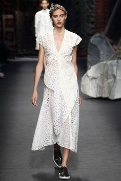 Antonio Marras - Spring Summer 2016 Ready-To-Wear - Shows - Vogue. Fashion Line, All Fashion, White Fashion, Runway Fashion, Spring Fashion, Milan Fashion, Antonio Marras, Style Couture, Couture Fashion