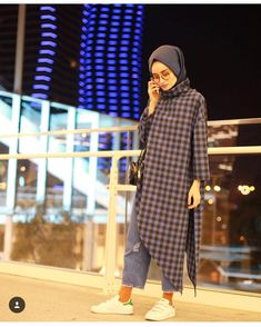 Default Parallels Plesk Page Street Hijab Fashion, Abaya Fashion, Muslim Fashion, Modest Fashion, Fashion Outfits, Hijab Style, Hijab Chic, Modest Dresses, Modest Outfits