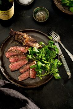 Pan-Seared Steak With Red Wine Sauce Recipe Seared Steak Recipe, Pan Seared Steak, Steak Recipes, Sauce Recipes, Cooking Recipes, How To Make Steak, Cooking Nytimes, Wine Sauce, Carne