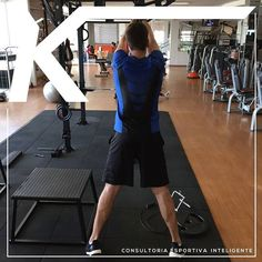 Treinando movimentos: Nosso corpo trabalha em sinergia! Sinergia muscular envolve todos os músculos do corpo inclusive os estabilizadores (controle). Músculos estes tão ou mais importantes quanto os músculos mais superficiais. (que vemos no espelho) que Indiretamente acabam sendo trabalhados juntamente com os grupos primários. O super @joaopedroluiz está conhecendo melhor a metodologia do treinamento funcional que temos como principal objetivo treinar o corpo todo! @joaopedroluiz estou…