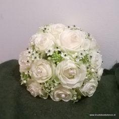 bruidsboeket biedermeier wit rozen zuidenwind lelie