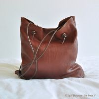 How-To: Quick and Easy Leather Bag Cute if i shorten the acual length of the bag and make it a small crossbody for my vintage inspired outfits