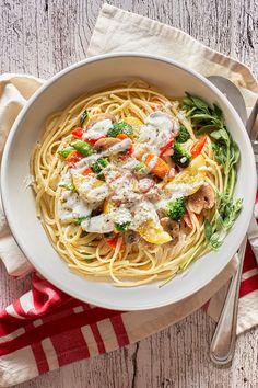 Pasta Primavera Summer Pasta Recipes, Pasta Primavera, Red Peppers, How To Cook Pasta, Broccoli, Food Porn, Stuffed Mushrooms, Vegetarian, Dishes