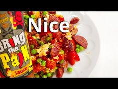 Scrambled Eggs with Sausage and Vegetables Easy Recipes, Easy Meals, Green Peas, Scrambled Eggs, Kung Pao Chicken, Mozzarella, Breakfast Recipes, Sausage, Beef
