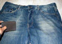 Comment user un jeans. Dans cet article, nous vous proposons deux moyens très simples pour que vous puissiez donner une nouvelle touche à vos vieux jeans en vous montrant comment user votre jean. Vous voulez transformer vot...