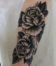 And we got loads more! Wörter Tattoos, Black Ink Tattoos, Mini Tattoos, Flower Tattoos, Body Art Tattoos, Tattoo Drawings, Sleeve Tattoos, Cool Tattoos, Tatoos