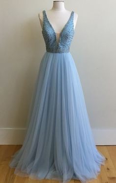Charming V Neck Prom Dresses,Long Prom Gowns,Tulle Prom Dresses,Beaded Evening Gowns,Prom Dresses 2017