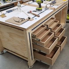 Multi-Function Workbench by Russ & Forum & Paoson Woodworking Multi-Function Workbench by Russ & Forum Source by mamamatthis The post Multi-Function Workbench by Russ & Forum appeared first on Curran Carpentry.