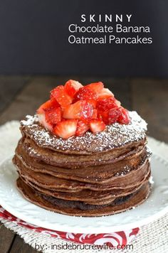 Skinny Chocolate Banana Oatmeal Pancakes - easy and light 5 ingredient banana and oatmeal pancakes