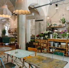 La Ménagère- A Concept-restaurant in the Heart of Florence, Italy Concept Restaurant, Deco Restaurant, Restaurant Interiors, Architecture Classique, Wallpaper Magazine, Deco Design, Cafe Design, Beautiful Space, Retail Design