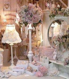 Roses & Decor
