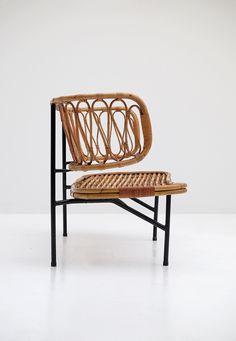 Rattan settee from Dirk van Sliedregt 1956 - City-furniture.be Design City Furniture, Wicker Furniture, Outdoor Furniture, Outdoor Decor, Settee, Rattan, Mid Century, Lounge, Van