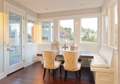Breakfast Nook Built In Seating Built In Bench Seating In Breakfast Nook Luxury Dining Room, Beautiful Dining Rooms, Dining Room Bench Seating, Dining Room Table, Dining Booth, Benches For Sale, Room Additions, Living Magazine, Online Home Decor Stores