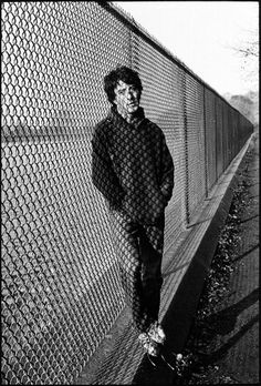 May Ellen Clark: Dustin Hoffman at the resevoir in Central Park between takes, Marathon Man, Manhattan, New York, 1975