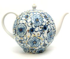 Winding Twig Large Teapot from Lomonosov Porcelain in St. Tea Cup Saucer, Tea Cups, Traditional Teapots, China Teapot, Teapots Unique, Vases, Teapots And Cups, Mad Hatter Tea, Tea Art