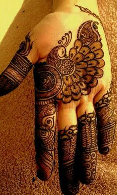 In Mehndi designs traditional mehndi design is also look good look for women hand.Here you can see latest, trendy and fancy mehndi designs. This mehndi design will available for both bride and groom.