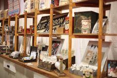oh i wish i was there! beautiful flea market display - Jenni Bowlin at CHA