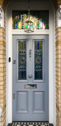 Victorian Style Front Door With Stained Glass and Chrome Ironmongery Victorian Style Front Door With Stained Glass and Chrome Ironmongery. The post Victorian Style Front Door With Stained Glass and Chrome Ironmongery appeared first on Farah& Secret World. Timber Front Door, Composite Front Door, Front Door Porch, Wooden Front Doors, Front Door Entrance, House Front Door, Painted Front Doors, Glass Front Door, Front Door Decor
