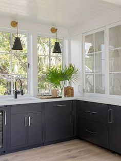 Renovation Inspiration: 5 DIY Kitchen Remodel Ideas for a New Look - Decorology