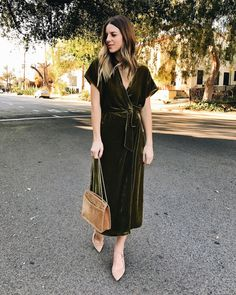 Apparently velvet is the new suede, and I'm loving wearing it this winter for holiday season | Los Angeles Fashion and Lifestyle Blog