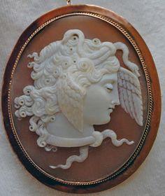 MUSEUM-QUALITY-ANTIQUE-CAMEO-MEDUSA-9CT-ROSE-GOLD-Amazing-size-relief