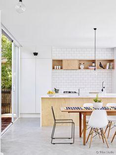 http://www.31metrescarres.fr/article/alerte-tendance-une-cuisine-bois-blanc_a1542/1