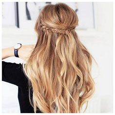 Easy hairstyles for long hair are an important part of our beauty routine on Valentine's Day. These easy hairstyles are a real deal. Easy Hairstyles For Medium Hair, Easy Hairstyles For Long Hair, Spring Hairstyles, Braided Hairstyles, Cool Hairstyles, Hairstyle Ideas, Female Hairstyles, Hairstyle Short, Picture Day Hairstyles