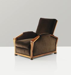 View Fauteuil modèle mf variante jupe basse by Pierre Chareau on artnet. Browse upcoming and past auction lots by Pierre Chareau. Art Deco Furniture, French Furniture, Furniture Styles, Luxury Furniture, Furniture Design, Antique Furniture, Pierre Chareau, Furniture Manufacturers, Art Deco Design