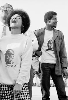 Untitled, Watts, California, 1967 - Civil Rights, 1963-70 - Archive - The Gordon Parks Foundation