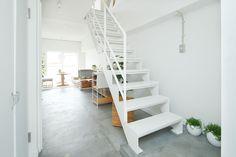 スケルトン階段で上下に広がるメゾネット空間 | 住まいのコラム | みんなで考える住まいのかたち | MUJI HOUSE VISION
